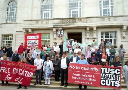 Hackney and Islington TUSC lobbies council calling for no evictions due to bedroom tax, joining up other bedroom tax protesters
